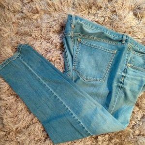 Lighter wash Mossimo boyfriend jeans! EUC!